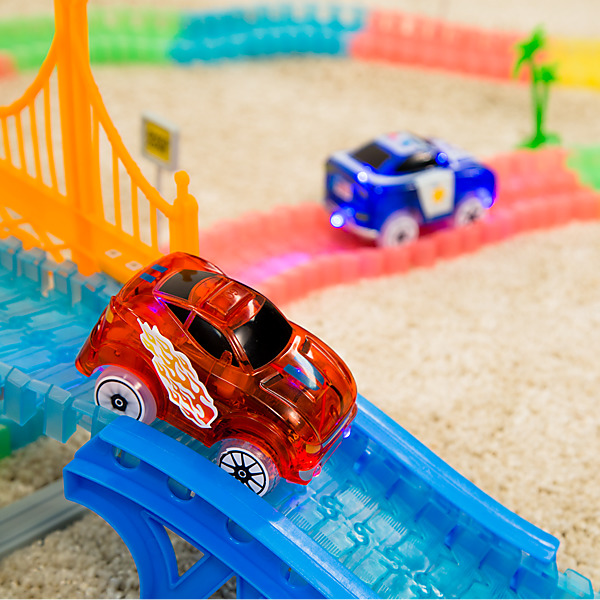 CIRCUIT MAGIC TRACKS GIGA SET - Circuit de Voitures
